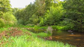 Река Iskar около Pancharevo в зоне Софи-города bulbed Стоковое Изображение