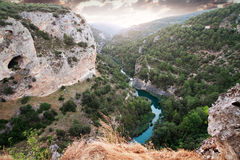 Река Jucar. Ventano del Диабло. Villalba de Ла Сьерра, Cuenca, Стоковое Фото