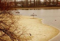 Река Khorol и пляж курорта Стоковая Фотография
