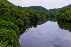 Река Kwai в Kanchanaburi Стоковая Фотография