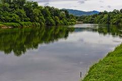 Река Kwai в Kanchanaburi Стоковое Изображение RF