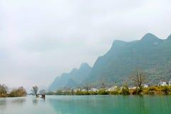Река Li в Yangshuo, Guilin, Китае стоковое изображение