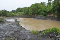 Река Miral, Bansalan, Davao del Sur, Филиппины стоковое изображение