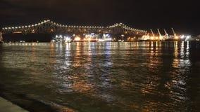 Река Misssissippi в Батон-Руж на упущении nighttime
