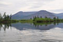 Река Muksun, плато Putorana стоковая фотография rf