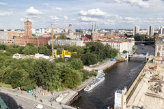 Река Nikolaikirche Берлин Германия оживления Стоковое Изображение RF