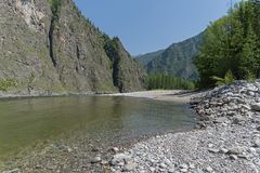 Река Oka Sayanskaya Сибирь, Россия Стоковое Изображение