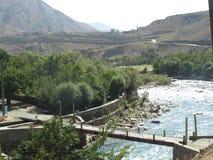 Река Panjshir моста перекрестное, Афганистан стоковое фото rf