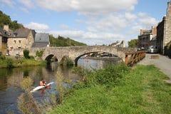 Река Rance в Dinan, Britanny в Франции стоковое фото