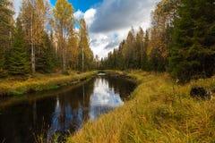 Река Randozerka. Hiking в Karelia. Стоковое Изображение RF