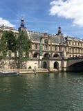 Река sena путешествует город Париж Стоковое Изображение