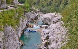 Река Soca, это словенское река учтено большинств beautifu стоковые фотографии rf