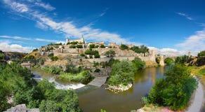 Река Tajo гнуть вокруг Toledo Стоковое Изображение