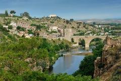 Река Tajo и мост Alcantara, Toledo, Испания Стоковая Фотография RF