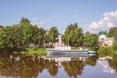 Река Vologda в городе Vologda, России Стоковая Фотография