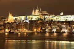 реки prague замока острословие vltava готского снежное Стоковая Фотография