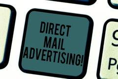 Реклама прямой корреспонденции сочинительства текста почерка Значить концепции поставляет материал маркетинга к клиенту почтовой  стоковые изображения rf