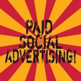 Реклама сочинительства слова оплаченная текстом социальная Концепция дела для внешних организаций маркетинга включает оплаченное  стоковая фотография rf