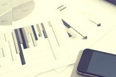 Рекламировать коммерчески концепцию маркетинга цифров продвижения Улучшать статистик Стоковые Фото