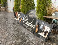 Рекламировать на кафе atelier Стоковое Изображение RF