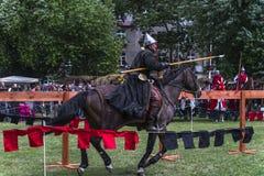 реконструкция рыцарей празднества сражения историческая Стоковая Фотография