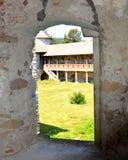Реконструкция фантазии средневекового дворца в деревне Racos, Трансильвании Стоковые Фото