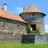 Реконструкция фантазии средневекового дворца в деревне Racos, Трансильвании Стоковая Фотография RF