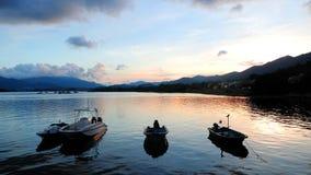 Рекреационные шлюпки на озере Стоковое Фото