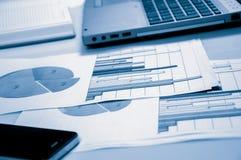 Рекламировать коммерчески концепцию маркетинга цифров продвижения Улучшать статистик Стоковое Изображение