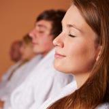 Релаксация и внимательность в спе Стоковая Фотография RF