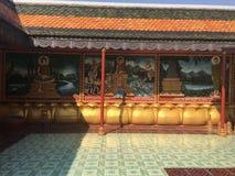 Религиозные красочные 3 габаритных реликвии на стенах виска Rath выпускного вечера Wat Preah в Siem Reap, Камбодже Стоковое Фото