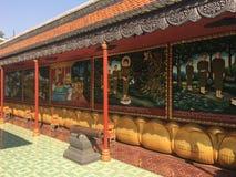 Религиозные красочные 3 габаритных реликвии на стенах виска Rath выпускного вечера Wat Preah в Siem Reap, Камбодже Стоковое Изображение
