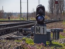 Рельсы гонщика дороги электрического локомотива транспорта груза перехода железнодорожные железнодорожные работают Стоковая Фотография