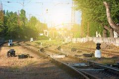 Рельсы и стрелка для железной дороги, вилки дороги Подкрашиванное изображение Стоковая Фотография