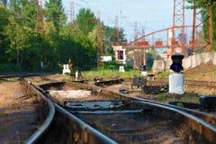 Рельсы и стрелка для железной дороги, вилки дороги Стоковое Фото