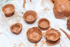 Ремесла ` s детей сделанные из красной глины Стоковая Фотография