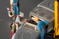 ремесленники делая миниатюру обслуживания Стоковые Фото