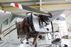 Ремонтировать малый самолет пропеллера Стоковые Изображения