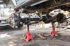 Ремонтные услуги автомобиля стоковые изображения rf