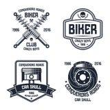 Ремонт автомобиля и эмблемы клуба велосипедиста иллюстрация штока