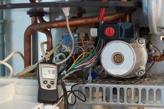 Ремонт боилера, создания и обслуживать газа отделом обслуживания стоковые изображения rf
