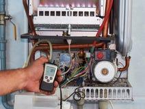 Ремонт боилера, создания и обслуживать газа отделом обслуживания стоковые изображения