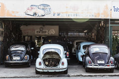 Ремонт гаража жуков VW стоковые фотографии rf