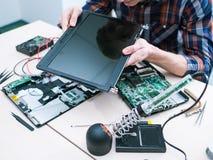 Ремонт компьютера оборудования системного администратора Стоковые Фото