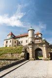 Ренессанс и барочный замок на холме в nicz› Nowy WiÅ, меньшей Польше, Польше стоковая фотография