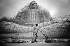 Реновации большой Будда B&W в виске Таиланде Стоковое Изображение RF
