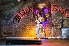 Репетиция перед хаосом искусства представления моды в ночном клубе Bla стоковая фотография