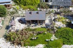 Реплика сельского ландшафта, деревня Podlasie, миниатюрный парк, Inwald, Польша Стоковое Фото