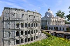 Реплика Colosseum Рима, Италии, миниатюрного парка, Inwald, Польши стоковое изображение