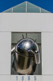 Реплика андроида перед офисом Google Стоковые Фотографии RF
